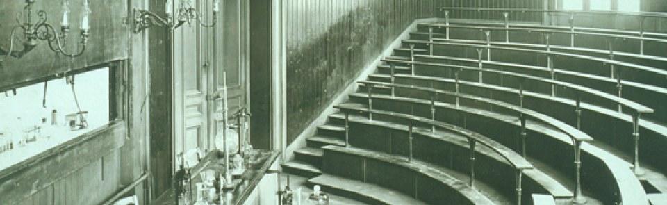 巴黎HEC历史: 马勒榭尔布大道大课堂中的化学研究